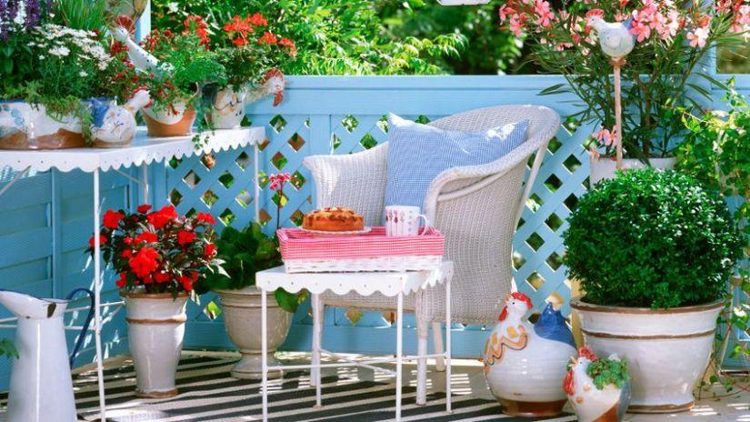Fauteuil de jardin blanc en rotin