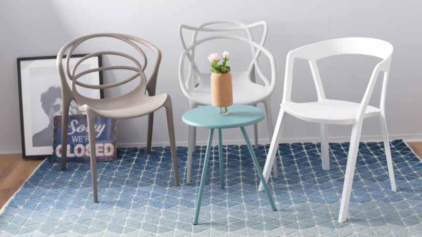 Petite table bleu turquoise