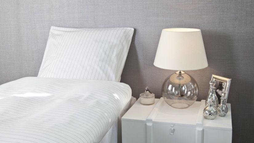 Lampe en verre ventes priv es westwing for Abat jour moderne camera da letto