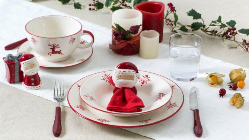 Vaisselle de Noël rouge et blanche