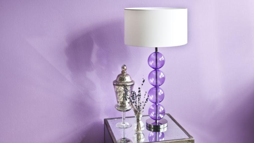 lampe violette en verre