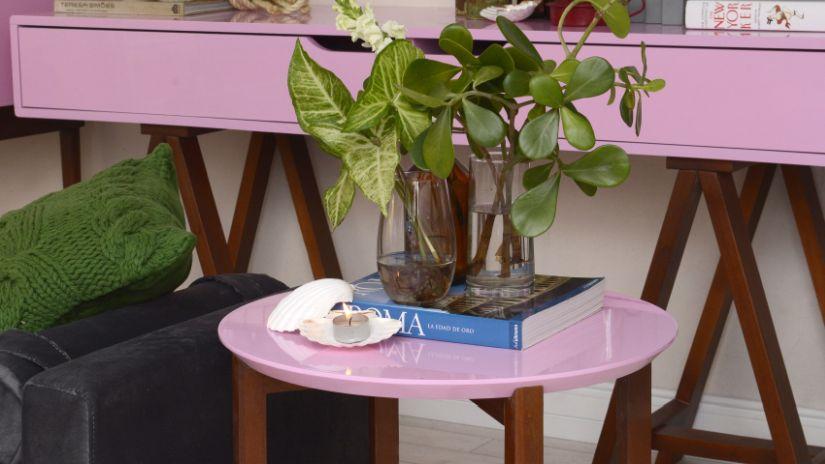 Petite table rose et bois