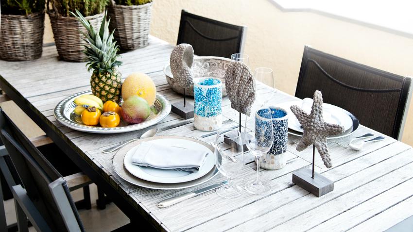Décoration bord de mer sur la table