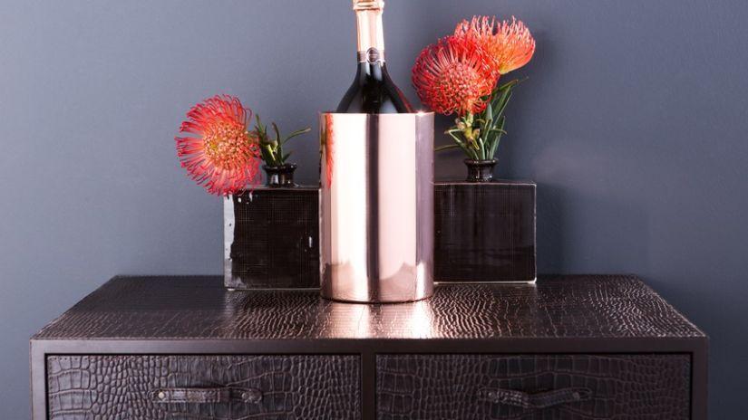 Petit vase carré de couleur noire