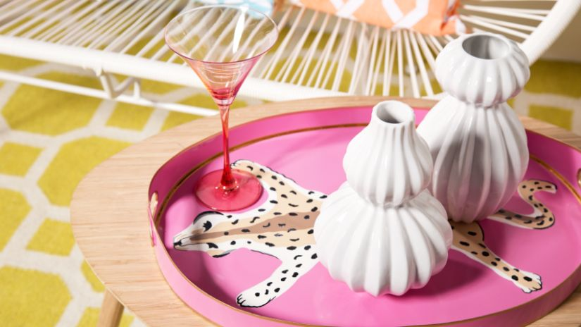 Vase design en céramique blanche