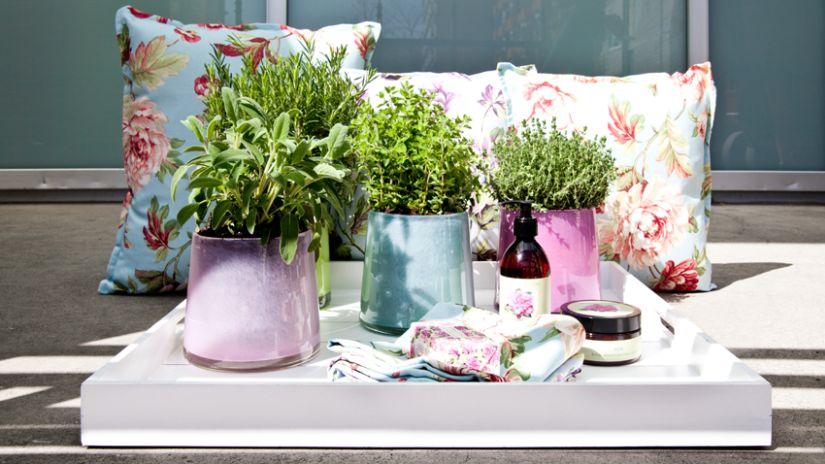 Vase en porcelaine pour le jardin