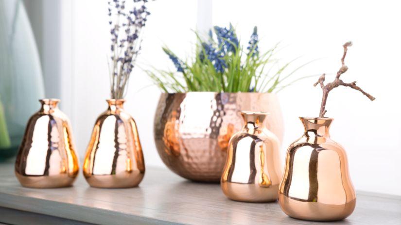 Petit vase vintage de couleur cuivrée