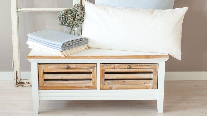 Coffre de rangement blanc et bois