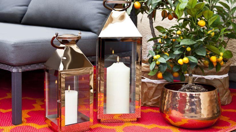 Jolies lanternes inox pas ch res westwing for Lanterne terrasse exterieure