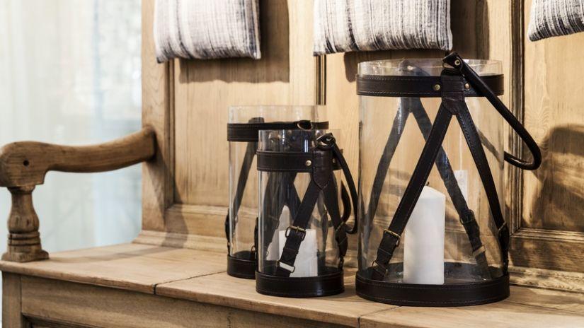 Lanterne noire en verre et cuir