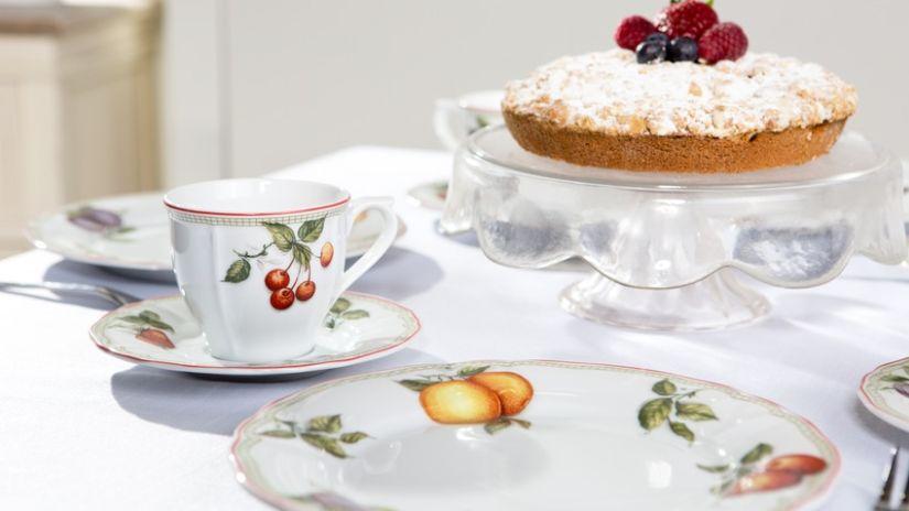 Plat en verre pour les gâteaux