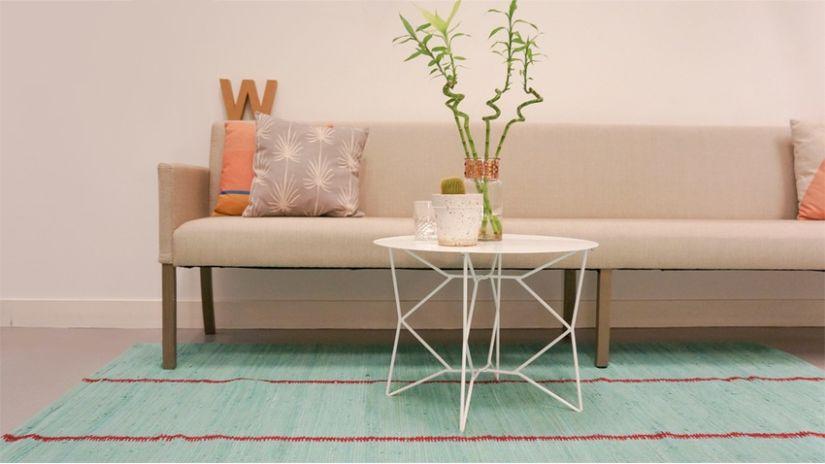 Table basse blanche géométrique en métal