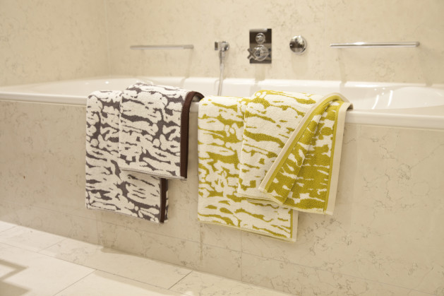 vasca da bagno asciugamani