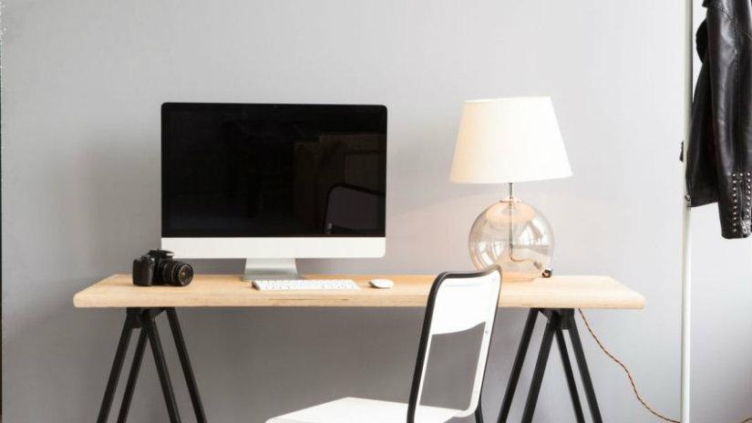 lampada da scrivania in vetro