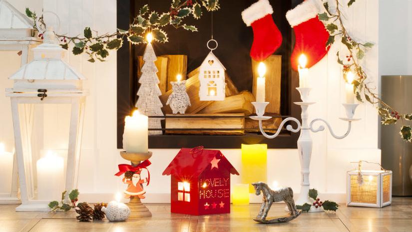 casa natalizia camino calze