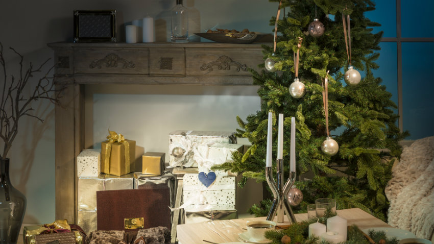 Alberi Di Natale In Legno Addobbati : Albero di natale il protagonista delle feste dalani e ora westwing