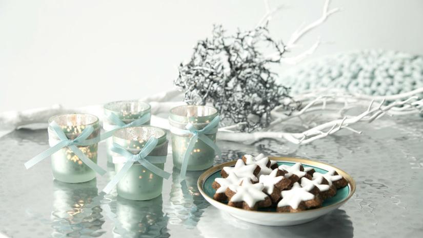 casa natalizia biscotti candele