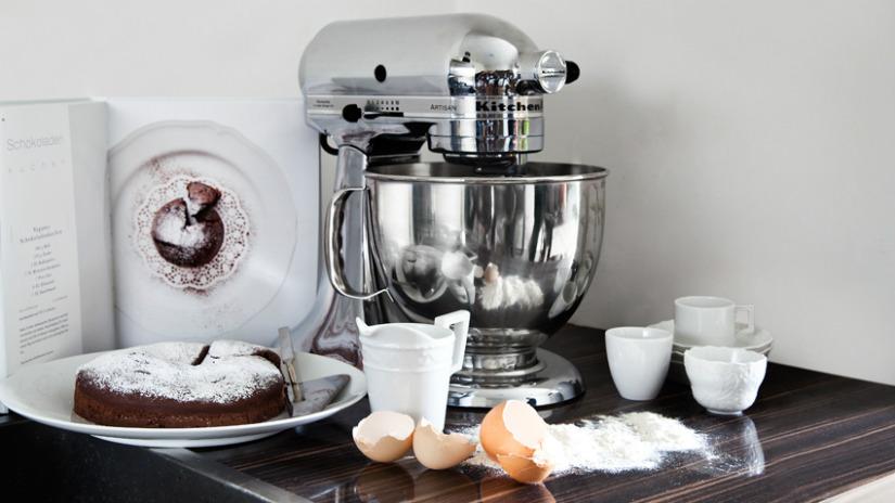 Torta a forma di cuore golosit romantica dalani e ora for Isola cucina a forma di torta