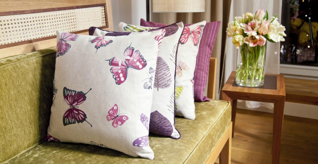 Cuscini x divani 28 images cuscini per divano colorati di homeplaneur arredaclick foto - Cuscini decorativi per letto ...
