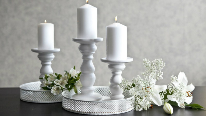 centrotavola in ceramica bianca