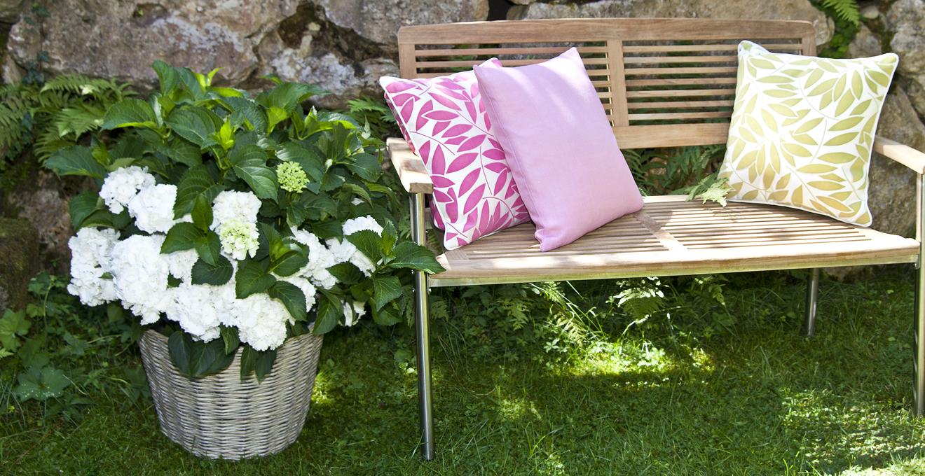 portavasi in rattan giardino rustico chic dalani e ora westwing. Black Bedroom Furniture Sets. Home Design Ideas