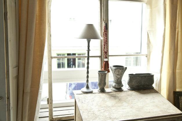 Tende marroni eleganza e fascino per ogni stanza dalani for Tende beige e marrone