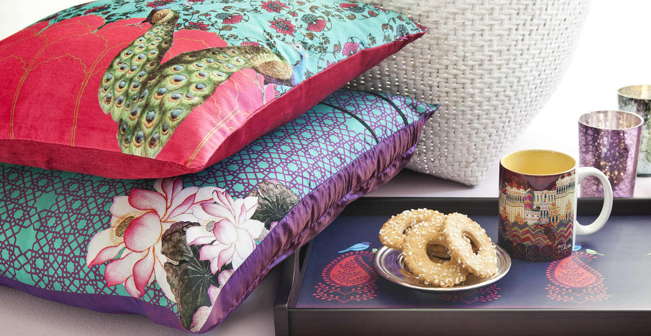 cuscini colorati design e colore nella vostra casa