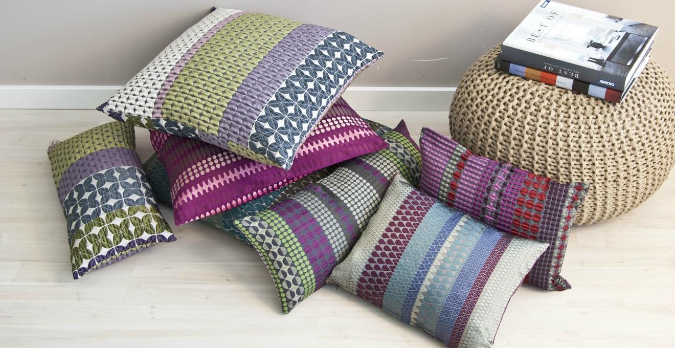 Cuscini indiani magia esotica per la tua casa westwing for Cuscini colorati per divani