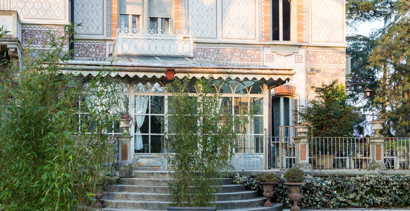 Mobili da giardino in ferro stile senza tempo dalani e for Esterno in stile country francese