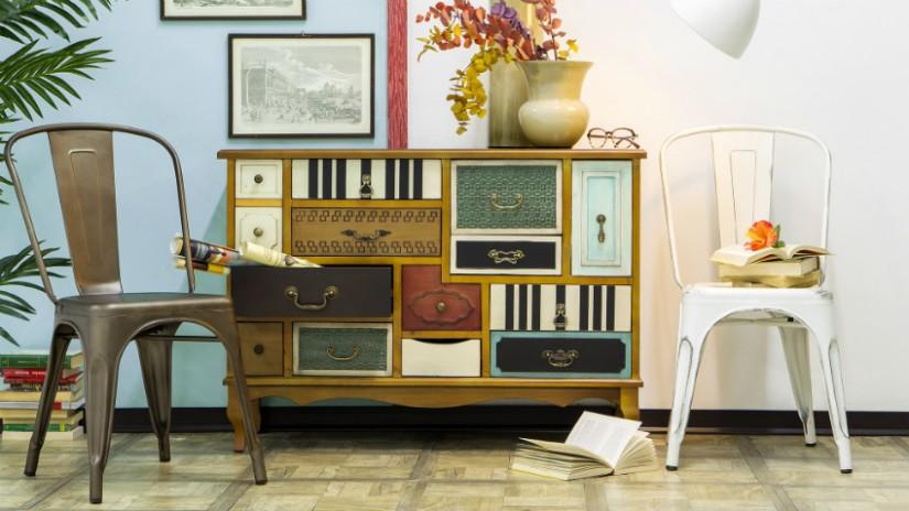mobili laccati colorati con cassetti