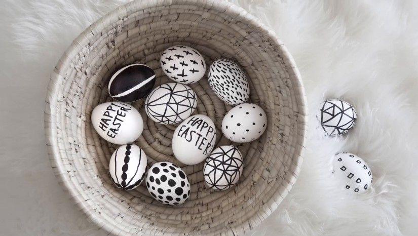 uova decorate cestino