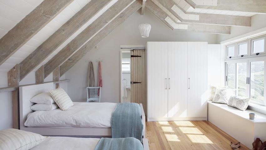 Illuminazione per mansarda luce per la casa westwing dalani e ora westwing - Camera da letto rustica moderna ...