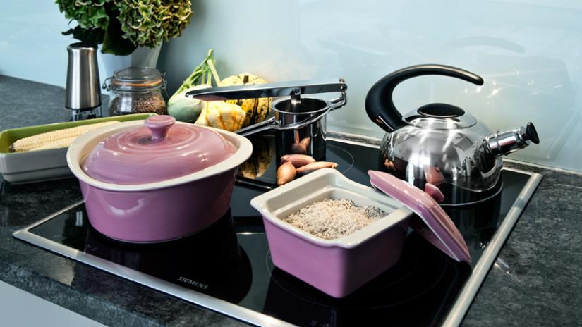 cocotte in ceramica cucinare in modo uniforme