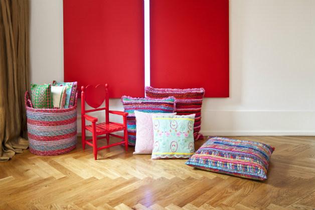 Copriletto rosso energia in camera da letto dalani e ora westwing - Copriletto matrimoniale rosso ...