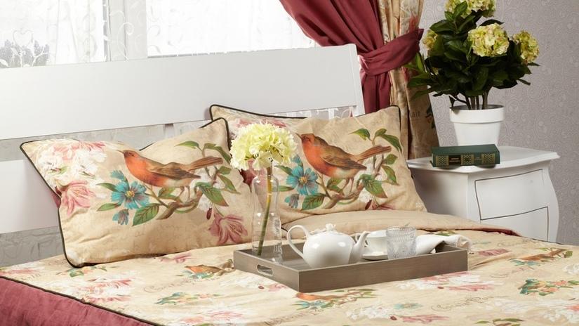 lenzuola ricamate uccellini primaverili