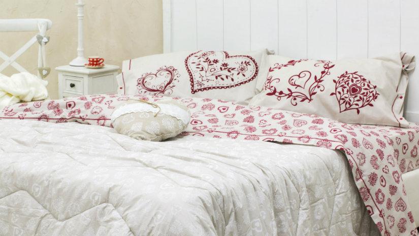 lenzuola tirolesi letto comodino