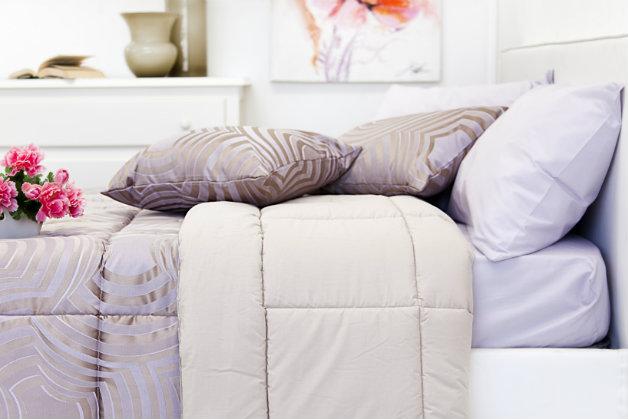 Westwing camera da letto provenzale romantica atmosfera - Copritestata letto ...