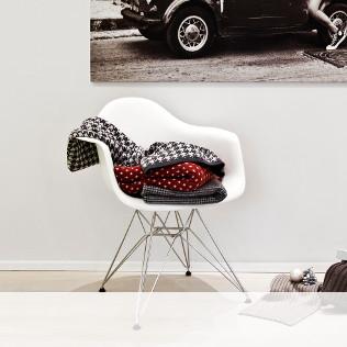 "sedia-bianca"" width="