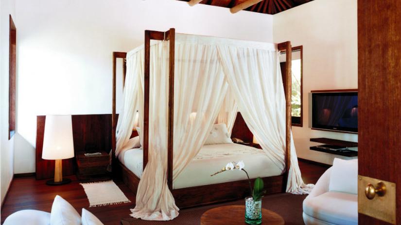 comodini in wengè camera da letto coloniale