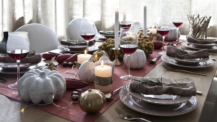 Runner natalizi decorazioni per la tavola di natale - Idee per centrotavola di natale ...