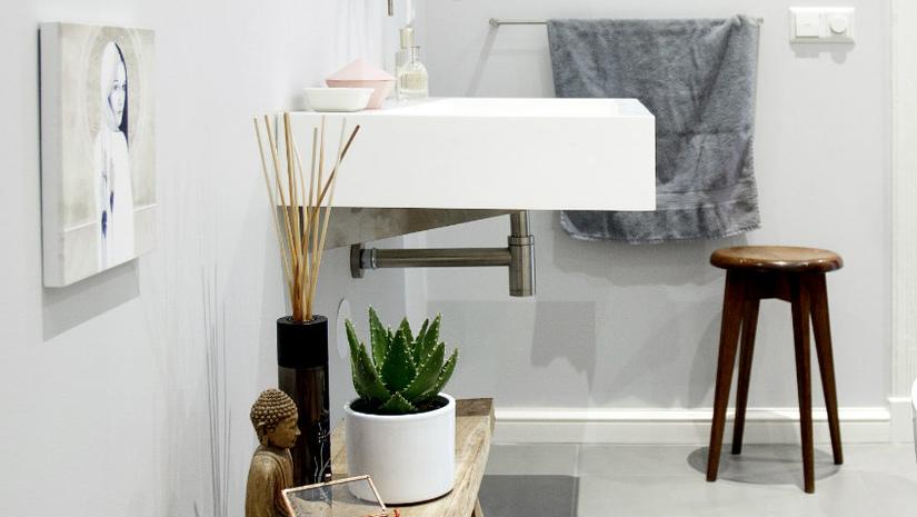 bagno minimal lavabo sospeso