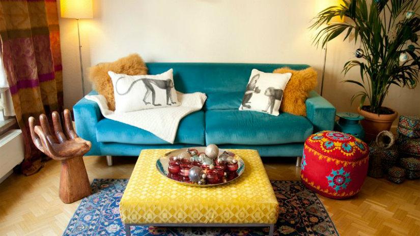 divani in velluto pouf tappeto colore accessori salotto