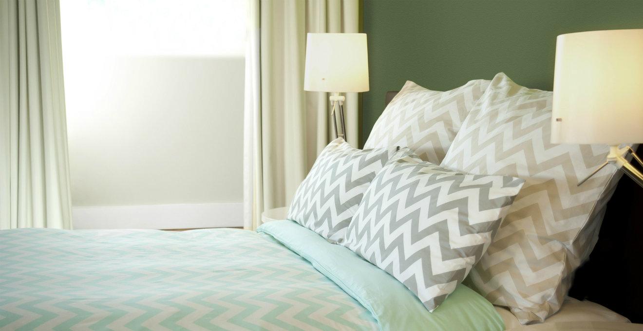 letto, cuscini, tende, copripiumino, verde