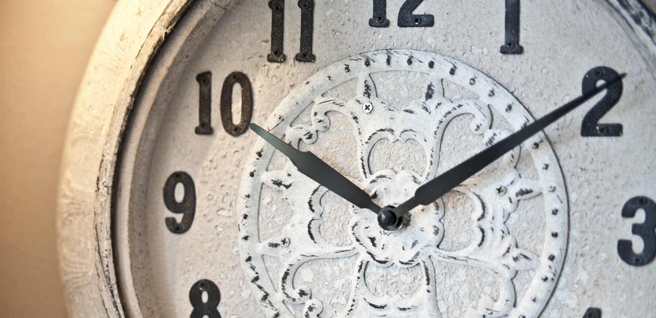 Orologi da parete rustici