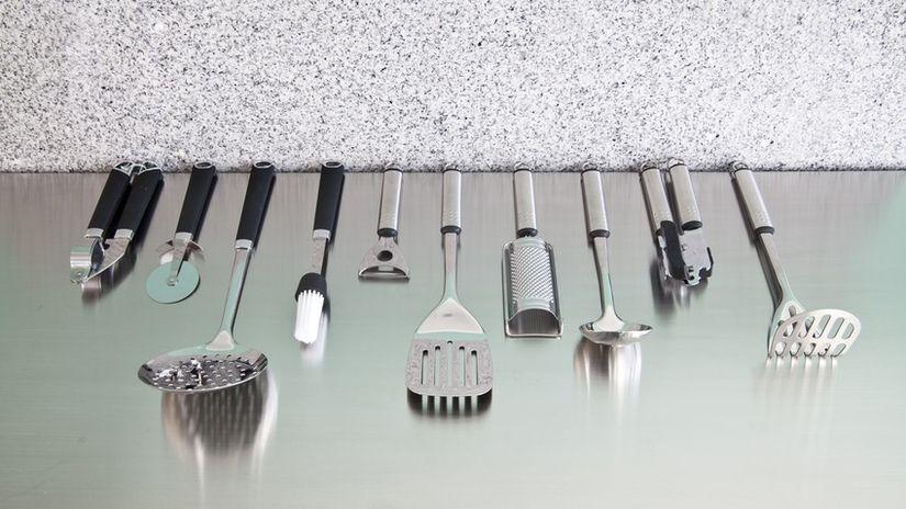 scolaposate in acciaio utensili mestoli