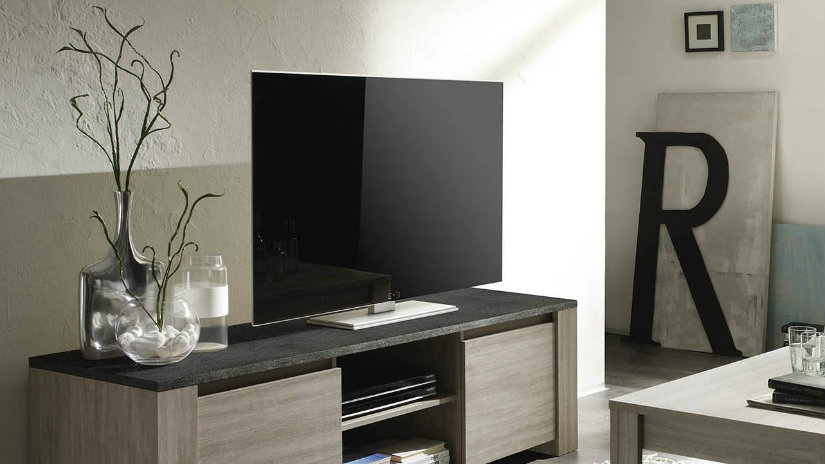 Tavolino porta tv accessori per un living d 39 effetto - Accessori bagno plexiglass amazon ...