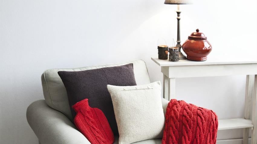 Vasi rossi eleganza con brio moderno dalani e ora westwing - Rami decorativi per vasi ...