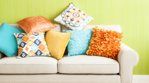 Cuscini arancioni fantasia e buonumore dalani e ora for Cuscini arredo design