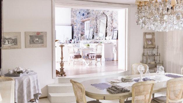 Lampadari classici lo stile intramontabile del vetro for Immagini lampadari moderni