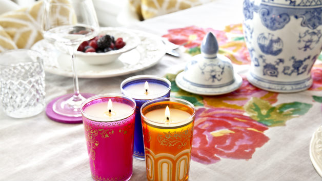 Potiche in porcellana  candele tovaglia a fiori